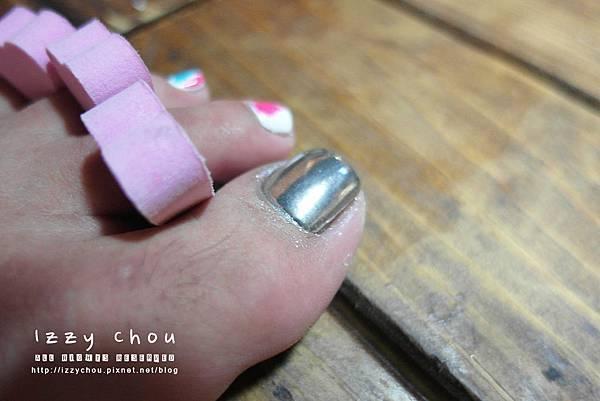 夏季足部光療 不規則線條 手工彩繪 凝膠指甲推薦