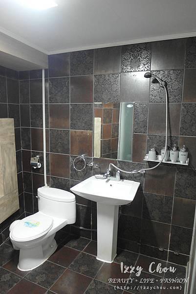 Hotel Bon Bon triple 豪華三人房 浴室