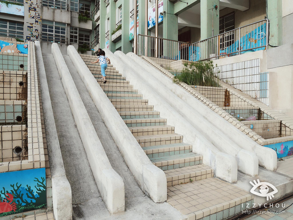 彩色溜滑梯2.jpg