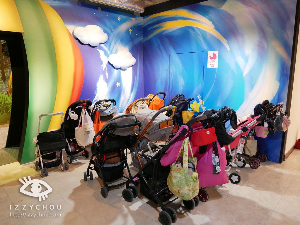 科教館 顛倒屋 2.0特展 嬰兒推車