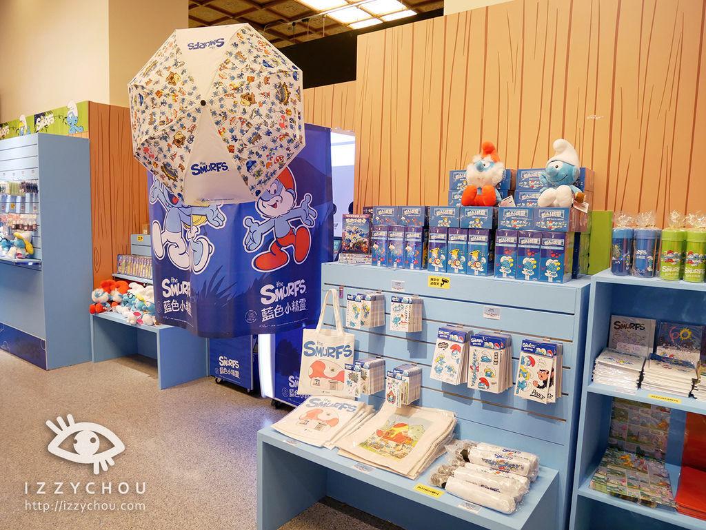 藍色小精靈 愛在17特展 紀念品區