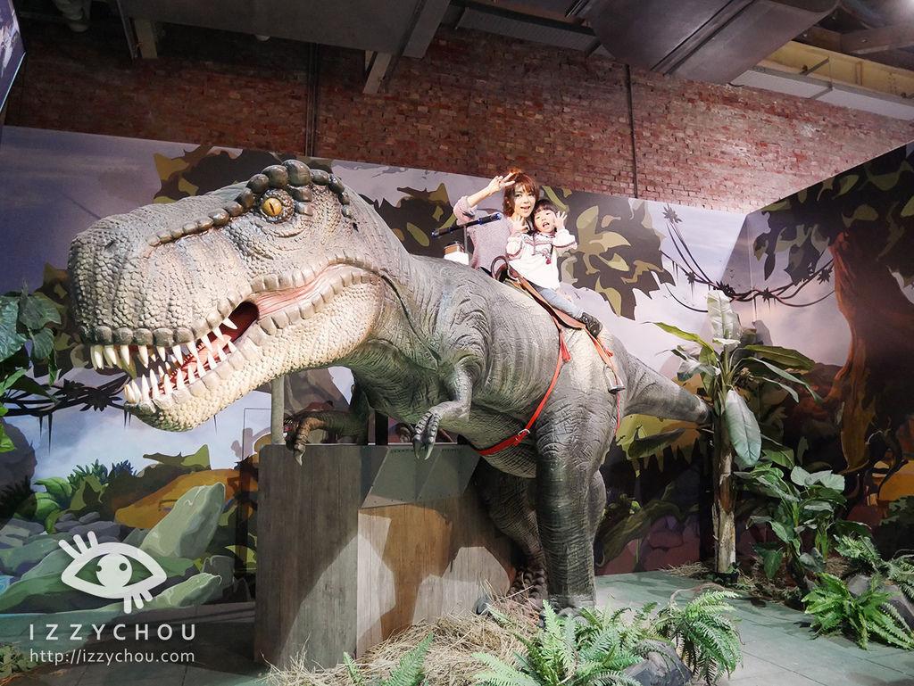侏羅紀X恐龍樂園 騎乘大暴龍