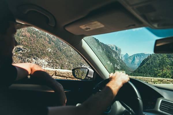人工智慧汽車雷達上市,可望降低行車事故發生