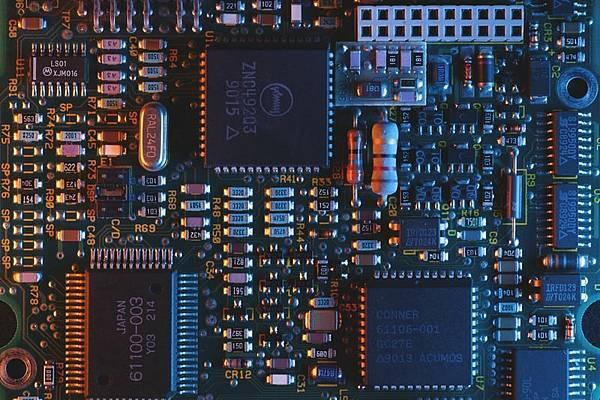 人類又輸了?人工智慧設計IC晶片6小時就搞定!
