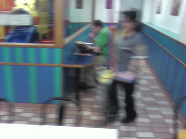 麥當勞也賣披薩(Pizza)!!4