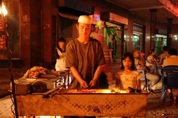 絲路特色美食-烤羊肉串.jpg