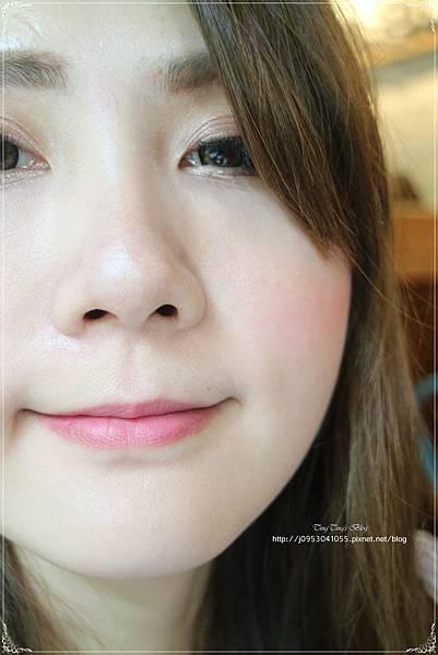 限量玫瑰珍藏版訂製唇膏 (1)