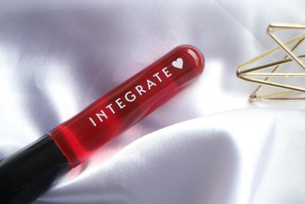 INTEGRATE 櫻特芮迷人光采粉底精華極上無痕粉底刷三度漸層光綻眼影盒 (10)