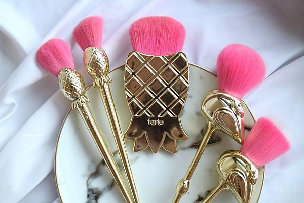 TARTE 紅鶴彩妝刷具5件組 Let's Flamingle Brush Set (10).jpg