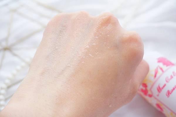 永生玫瑰水光保濕噴霧 (5).JPG
