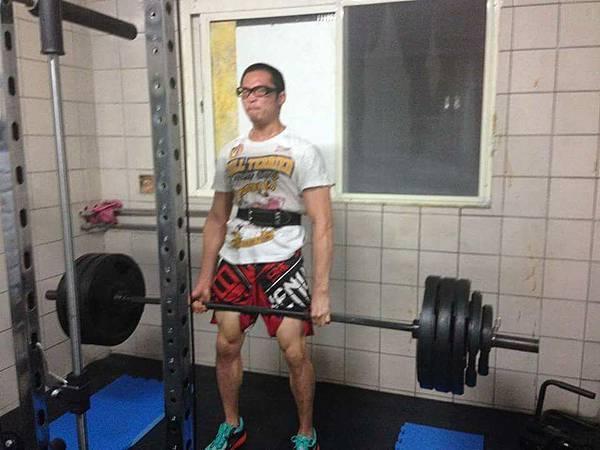 ANDRIE LIU硬舉190公斤