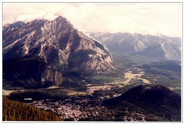 加拿大山脈.jpg