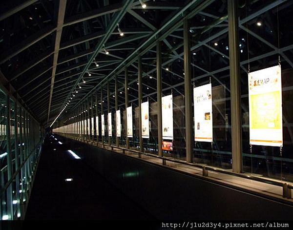 京都車站的空中走廊.png