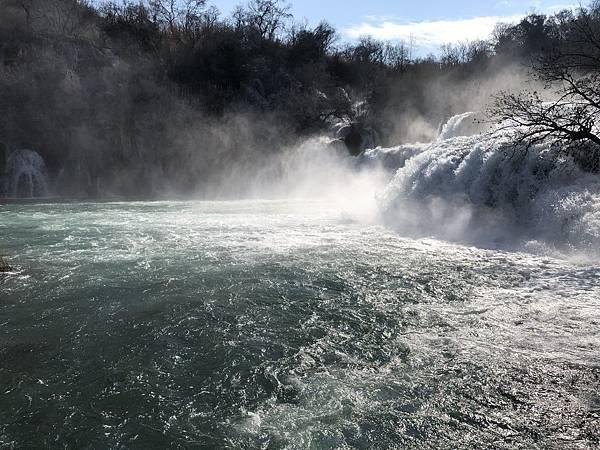科卡公園的大瀑布4.png.JPG