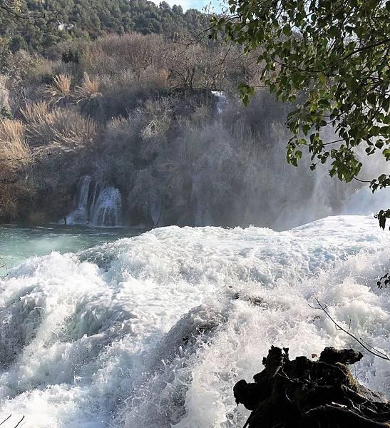 科卡公園的大瀑布7.png.JPG
