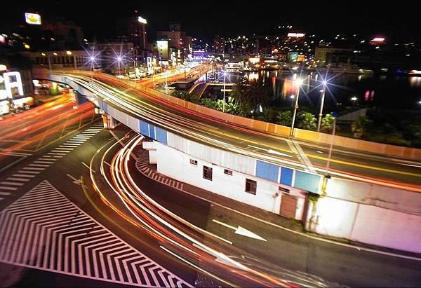 手機攝影手機後製GARY:0935018648 #夜拍 #光軌 #夜景 #手機攝影 #手機後製