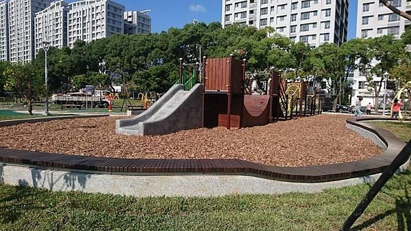 運動公園 (2).jpg