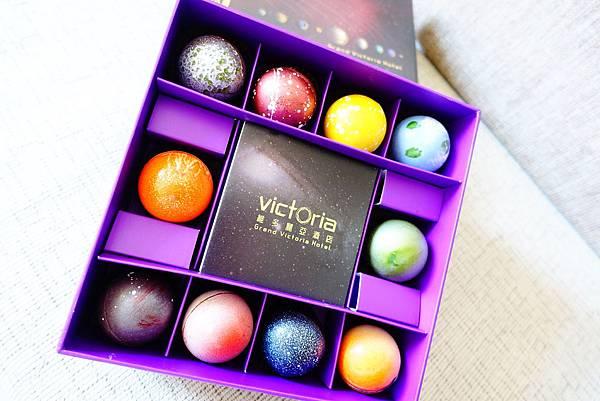 【伴手禮】維多麗亞 超美星球巧克力月餅 中秋送禮推薦