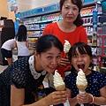 徐妹6Y全家吃冰淇淋