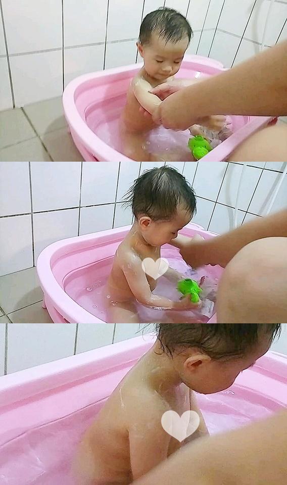 用2合1泡泡沐浴慕斯 洗澡洗身體.jpg