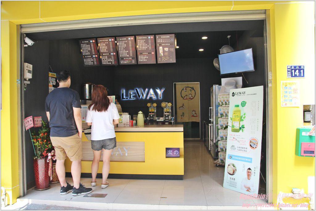 LEWAY2.JPG