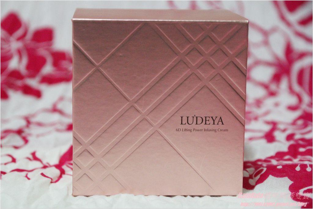 LUDEYA1.JPG