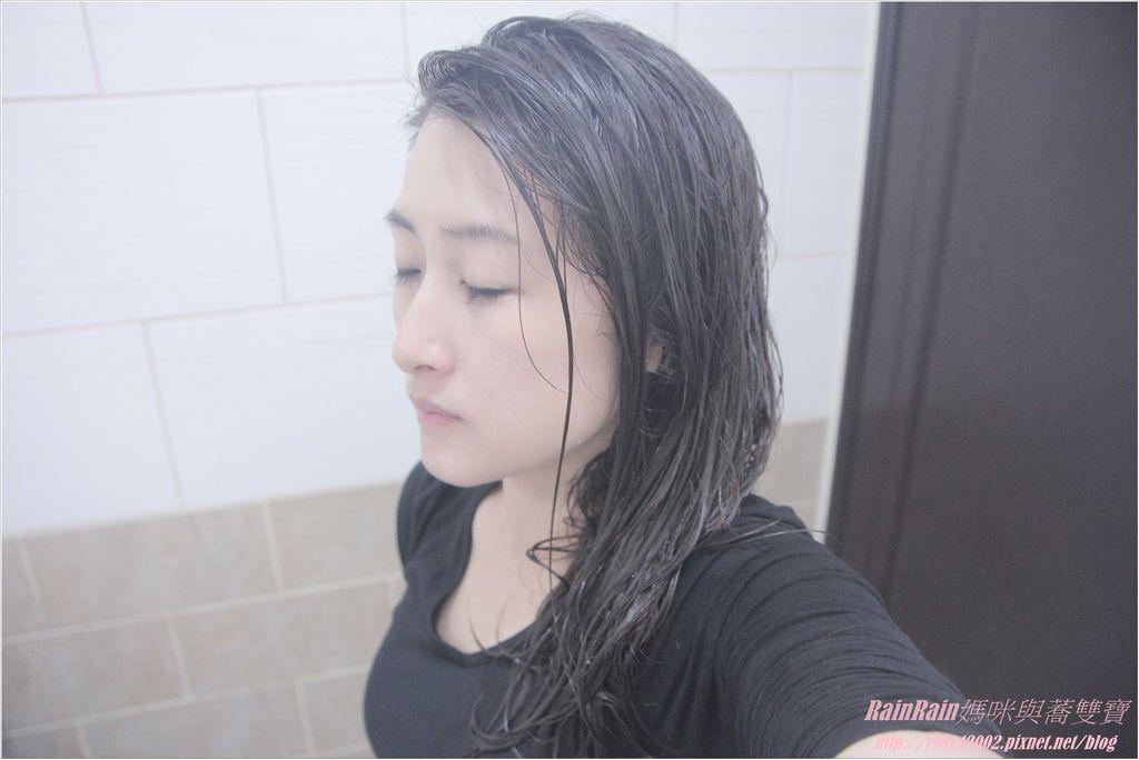 arin氧潤護色水漾洗髮精11.JPG