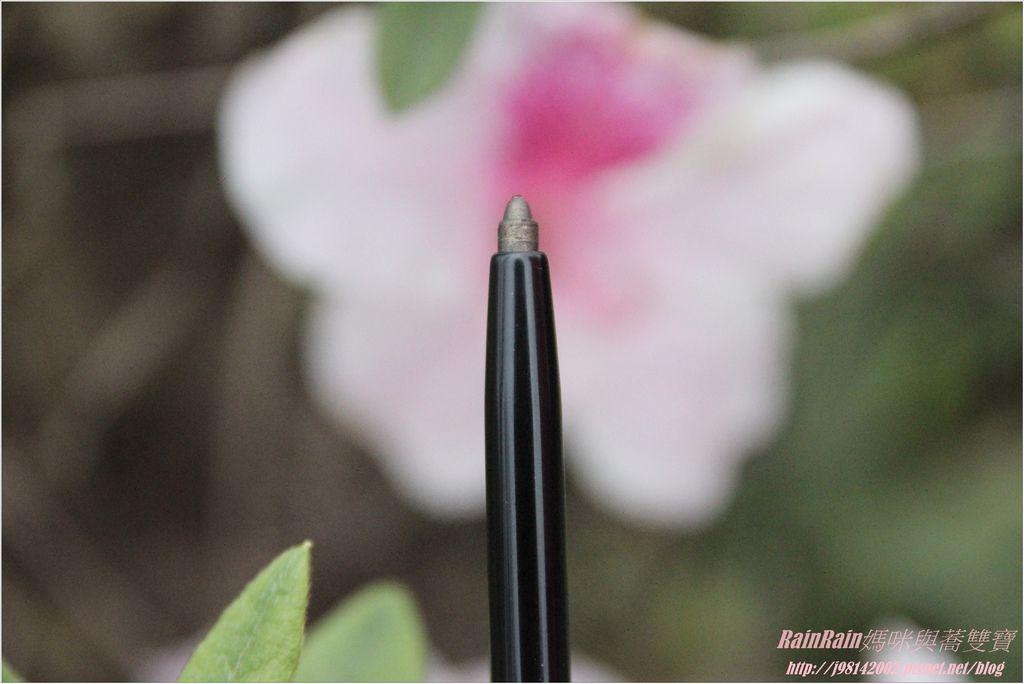 NAF眼線膠筆4.JPG