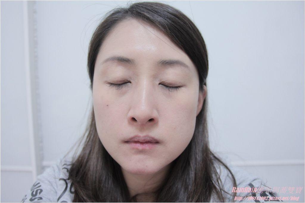 NAF眼線膠筆8.JPG