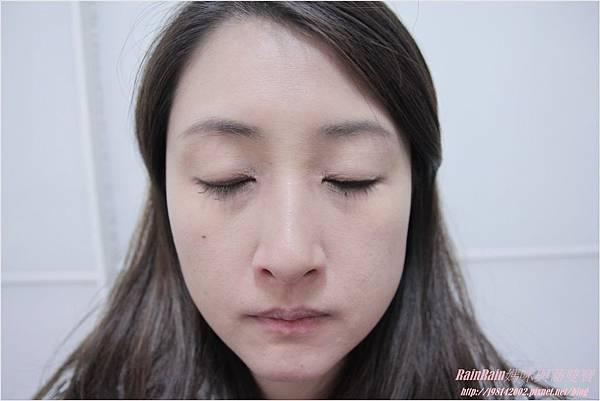 NAF眼線膠筆11.JPG