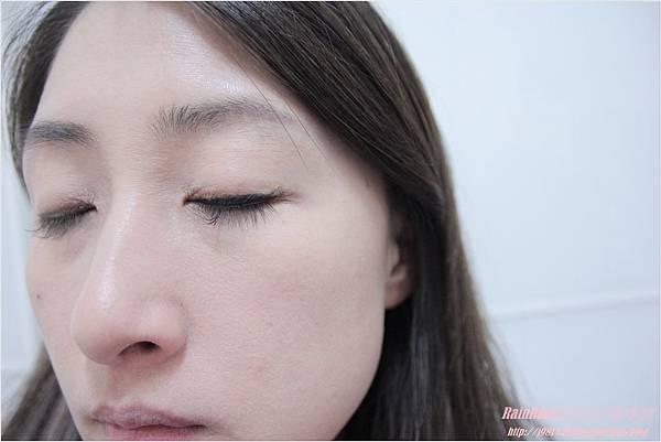 NAF眼線膠筆12.JPG