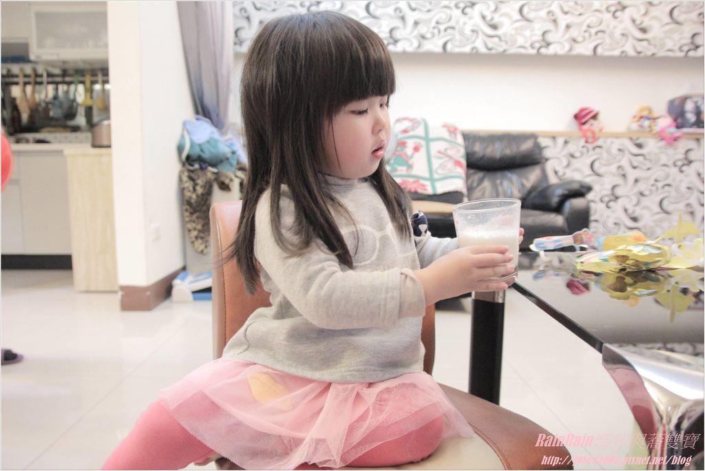 易而善蜂膠幼兒強化羊奶粉9.JPG