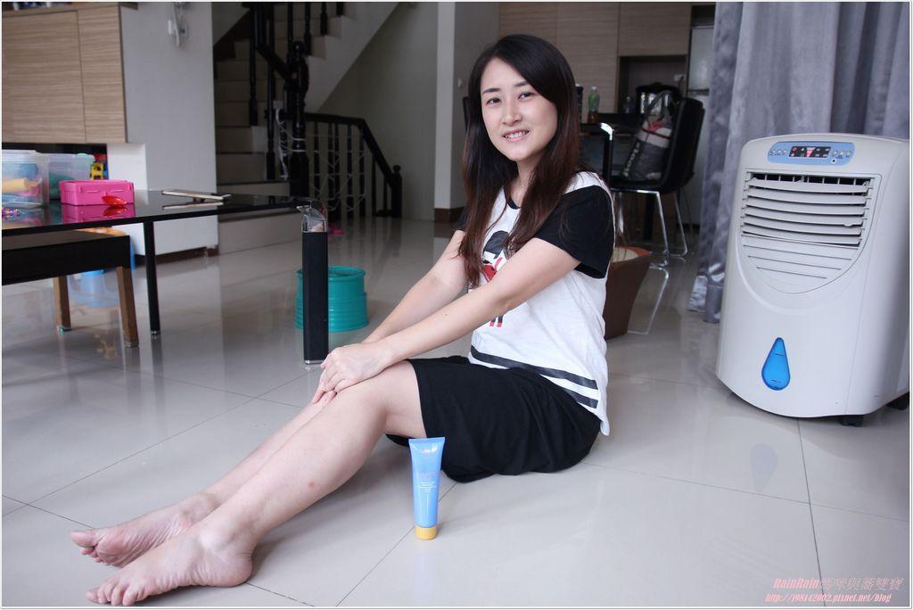 玻尿酸保濕防曬水凝乳13.JPG