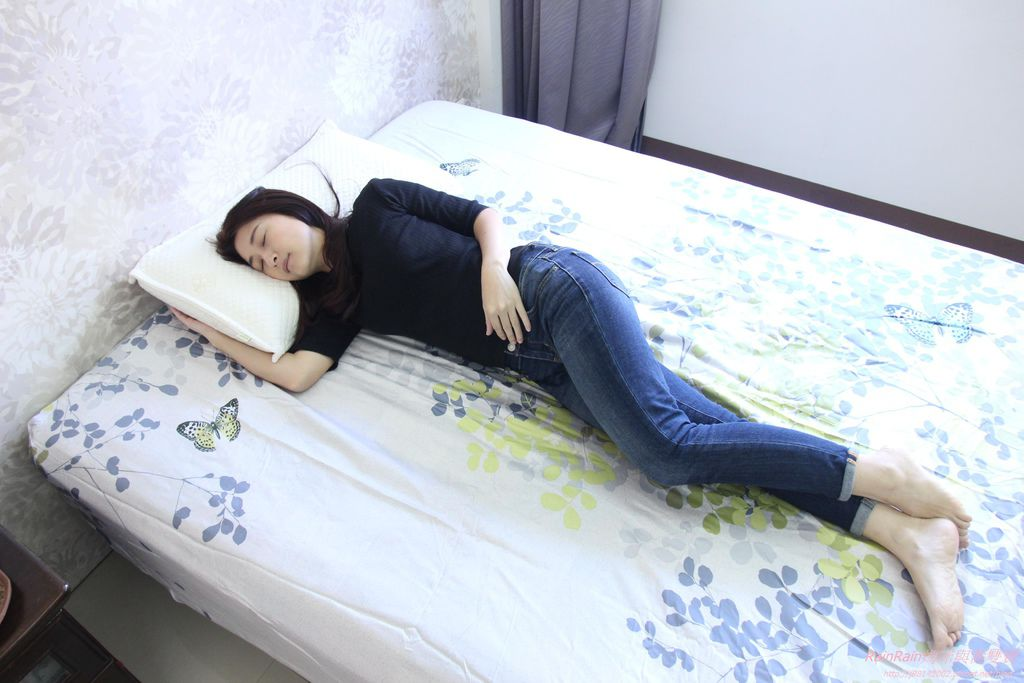 格蕾莎熟眠記形枕21.JPG