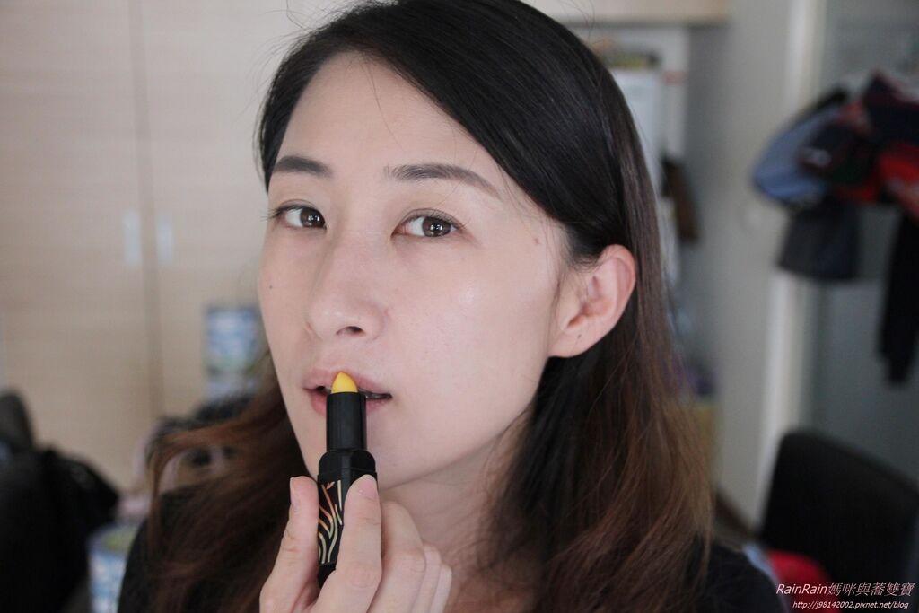 傳奇今生紅櫻桃唇膏8.JPG