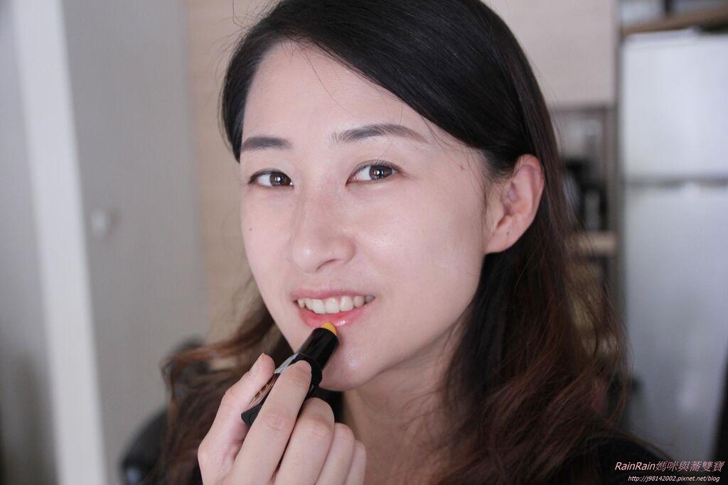 傳奇今生紅櫻桃唇膏9.JPG