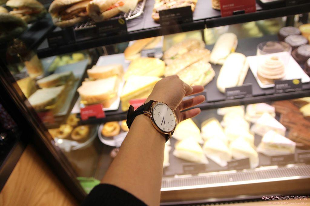 DW手錶24.JPG
