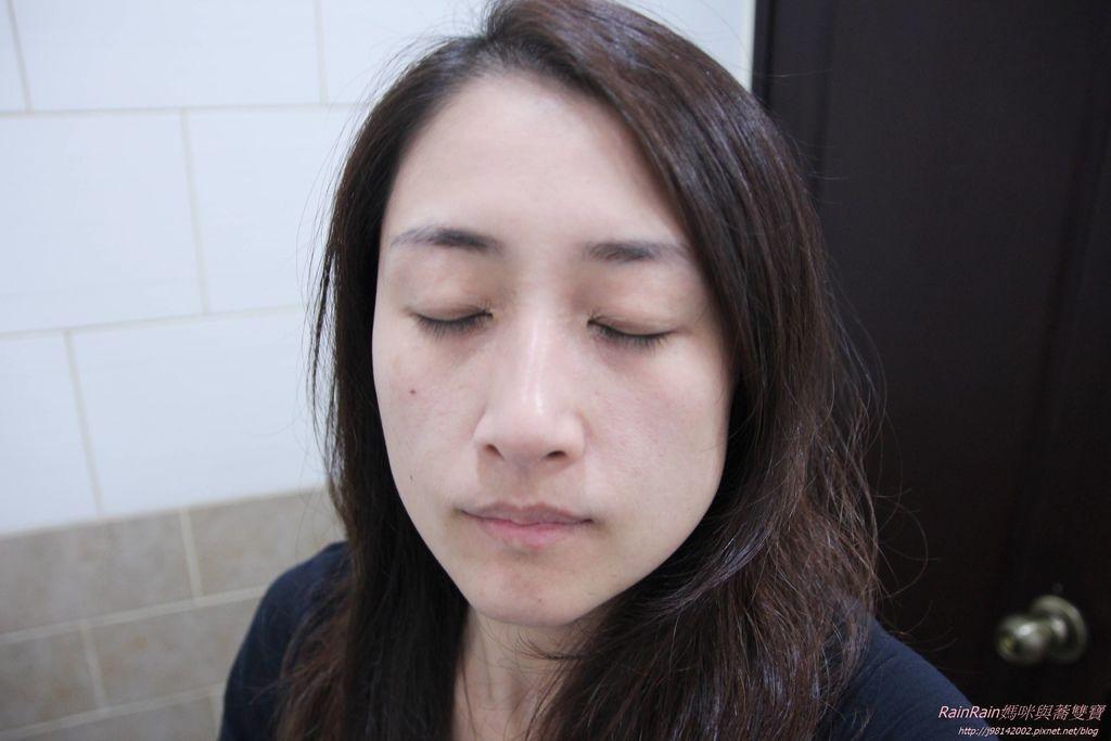 蜂毒緊緻迴齡霜8.JPG
