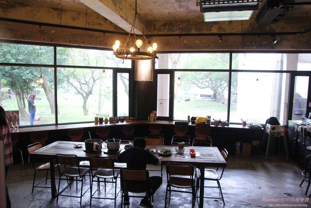 LALA Kitchen6.JPG