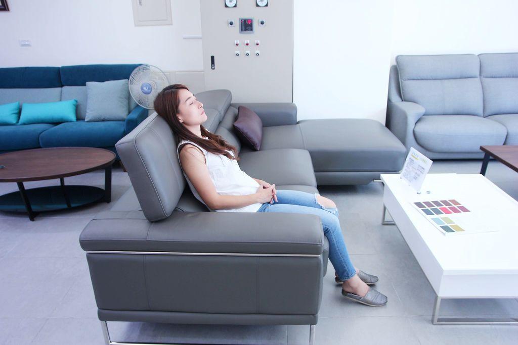 喜悅沙發5.JPG