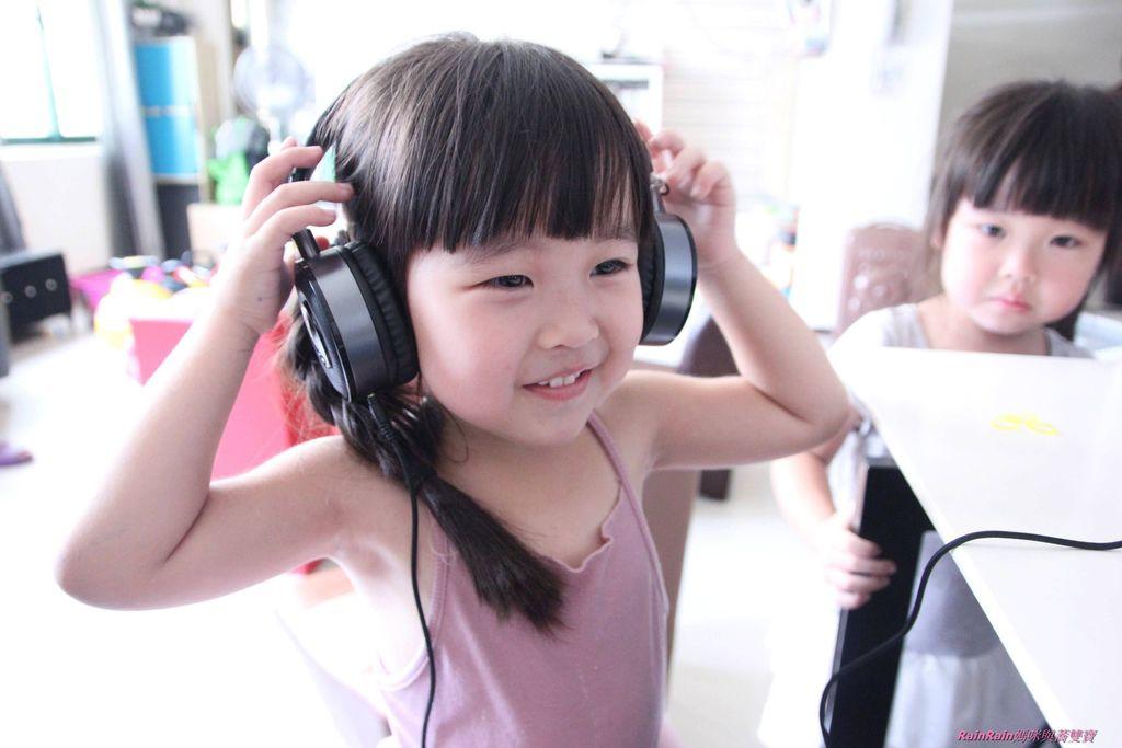 中景科技耳罩式耳機010.JPG