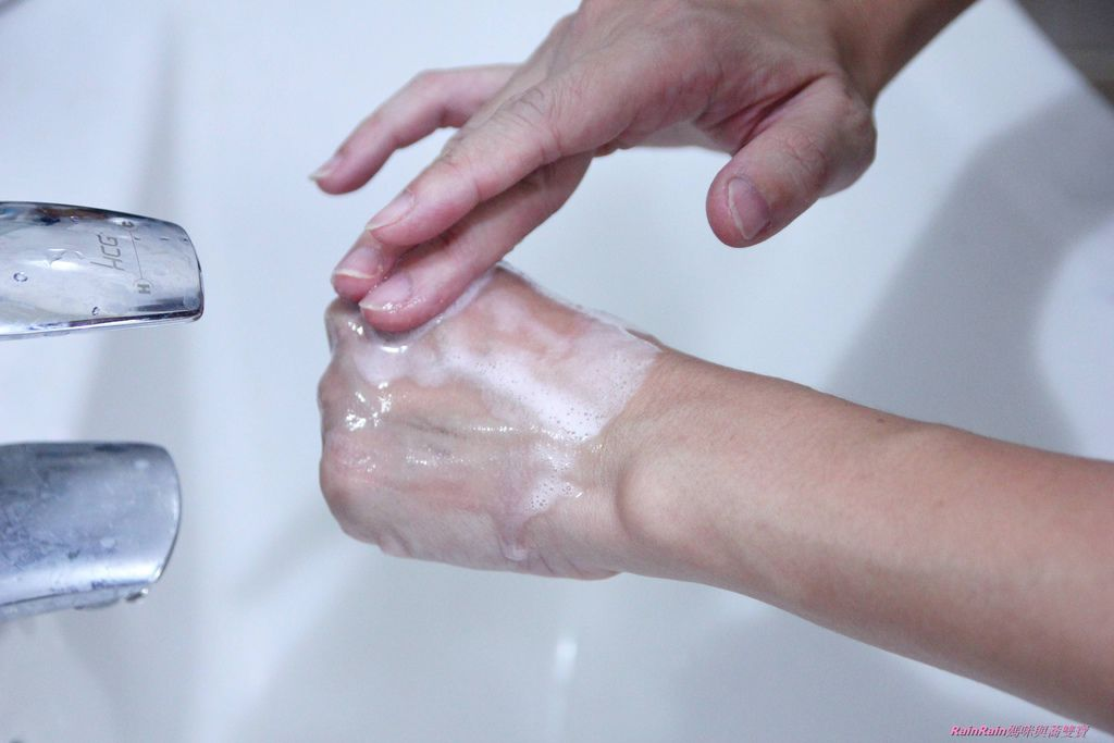HADA NATURE肌純 極淨溫和碳酸洗卸泡泡10.JPG