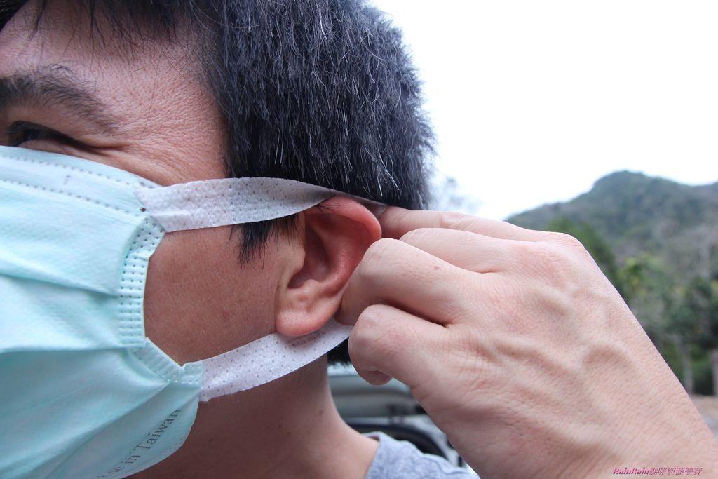 康乃馨PM2.5 Z摺口罩5-19.JPG