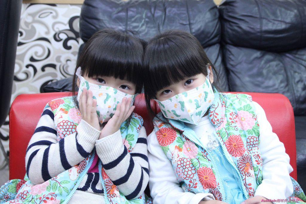 康乃馨PM2.5 Z摺口罩8-5.JPG