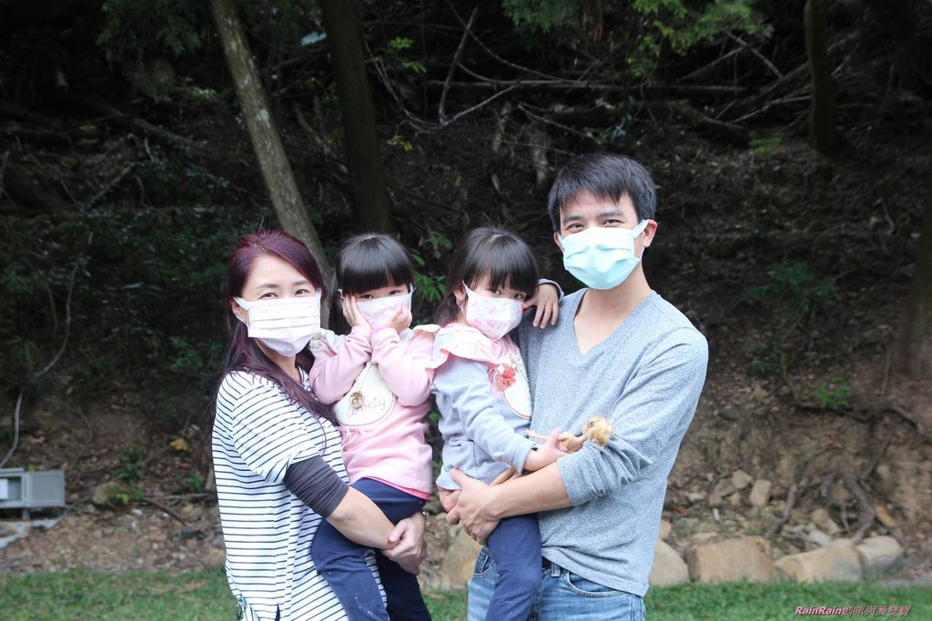 康乃馨PM2.5 Z摺口罩8-7.JPG