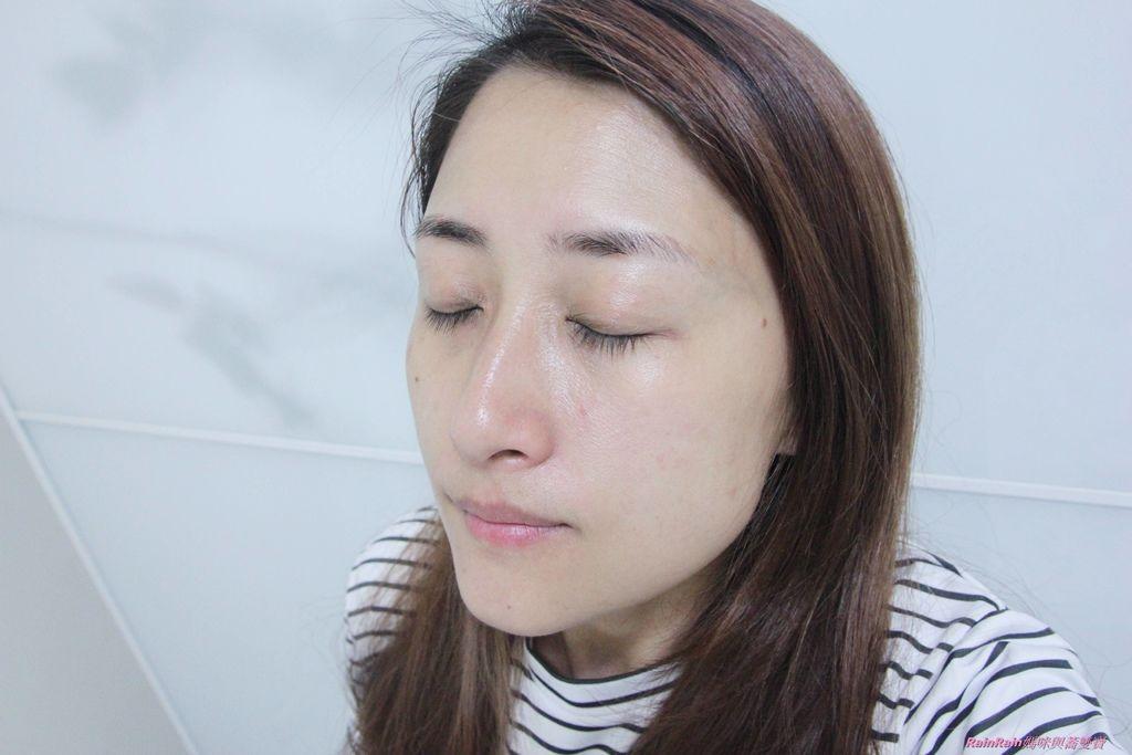 雅詩蘭黛白金級晶鑽淨白精粹試10.JPG