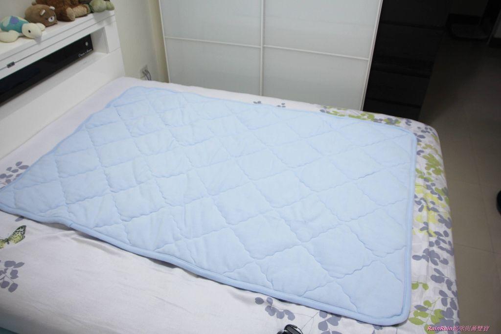 晶能量毯被4.JPG