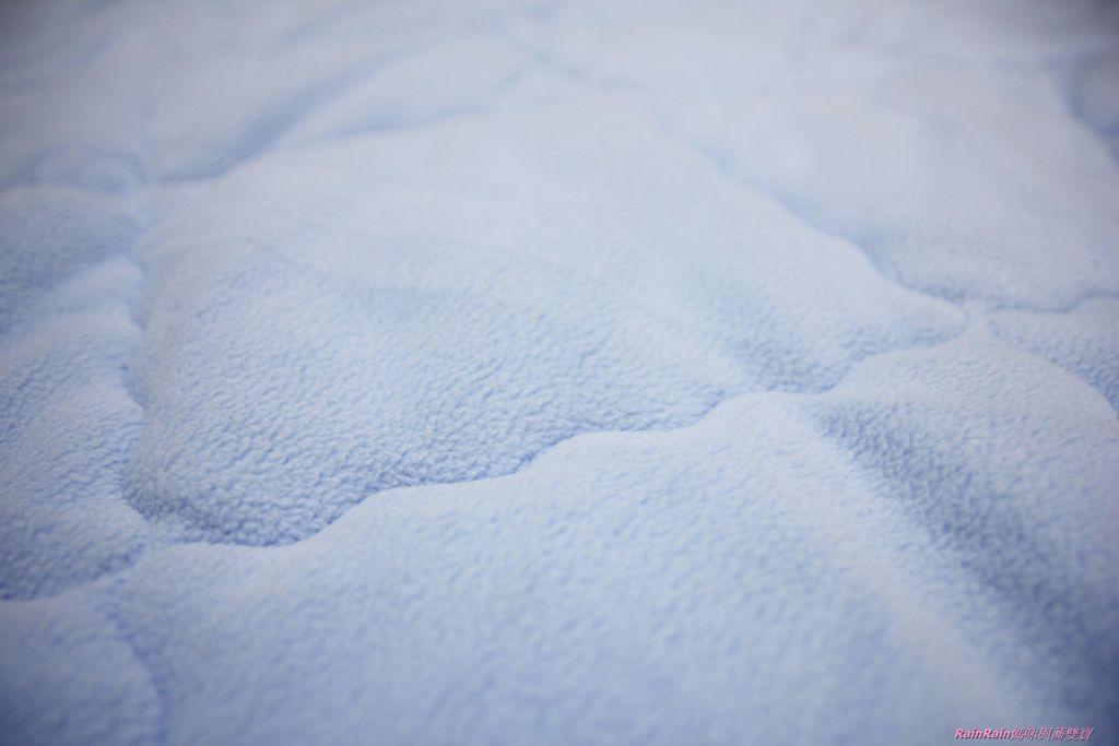 晶能量毯被5.JPG
