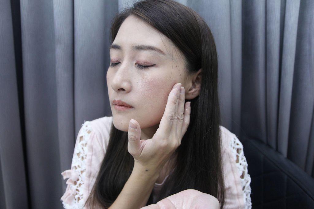 全能奇蹟金萃潔顏油4.JPG
