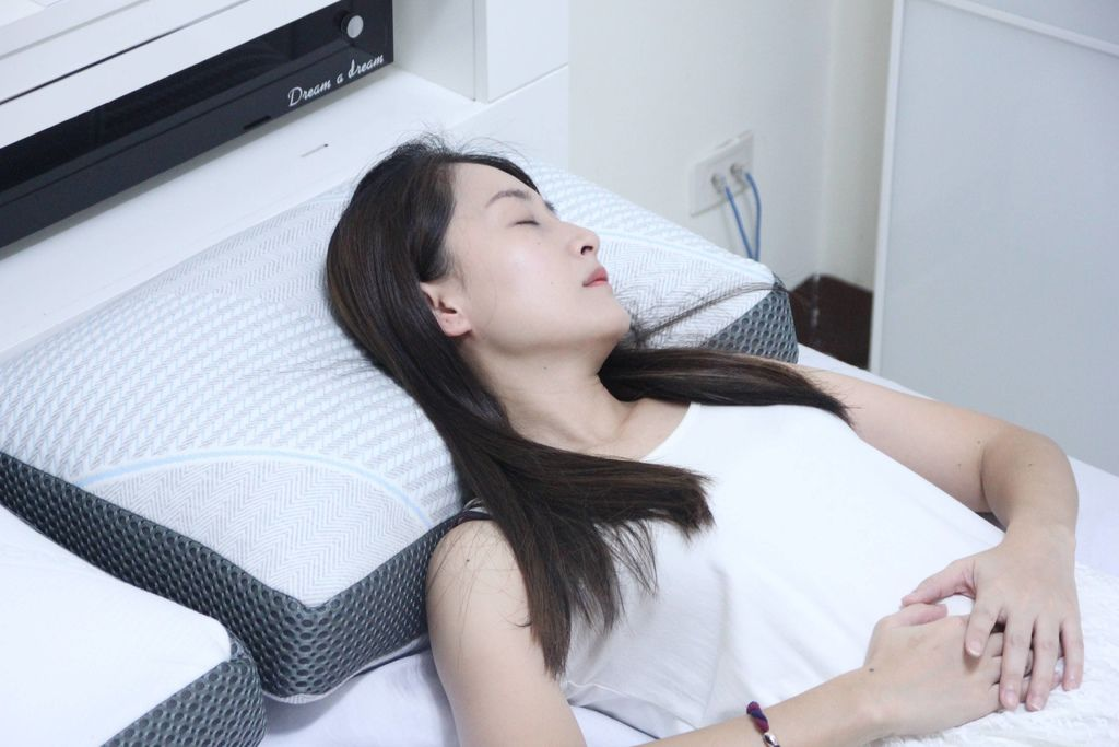 東稻家居純然恆溫呼吸止鼾設計天絲獨立筒枕11.JPG